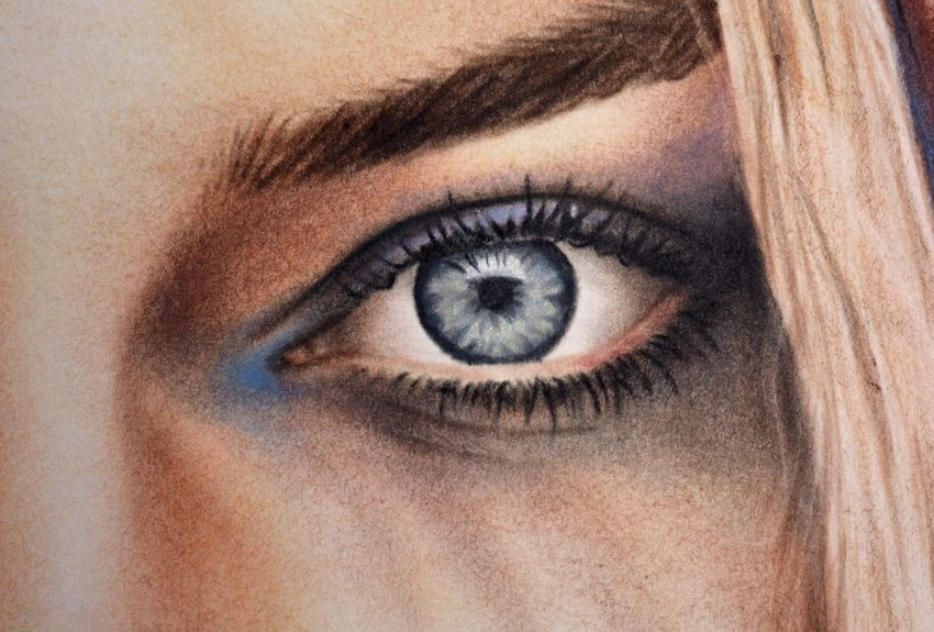 eye of Margot Robbie from Suicide Squad Harley Quinn