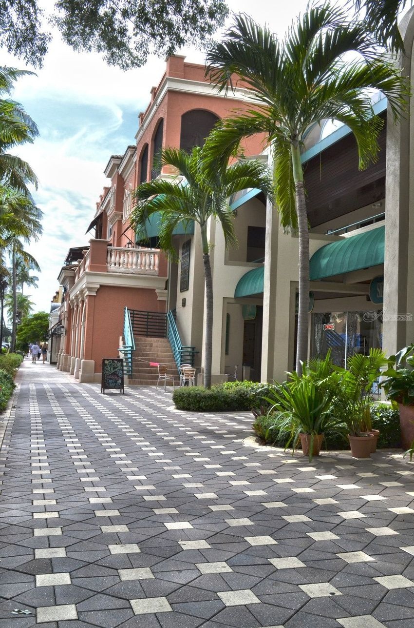 5th Avenue South - Naples, Florida 2012, Digital Art / Computer Art,Photography, Commercial Design,Fine Art,Street Art, Architecture,Daily Life,Window on the World, Digital, By Timothy Lowry